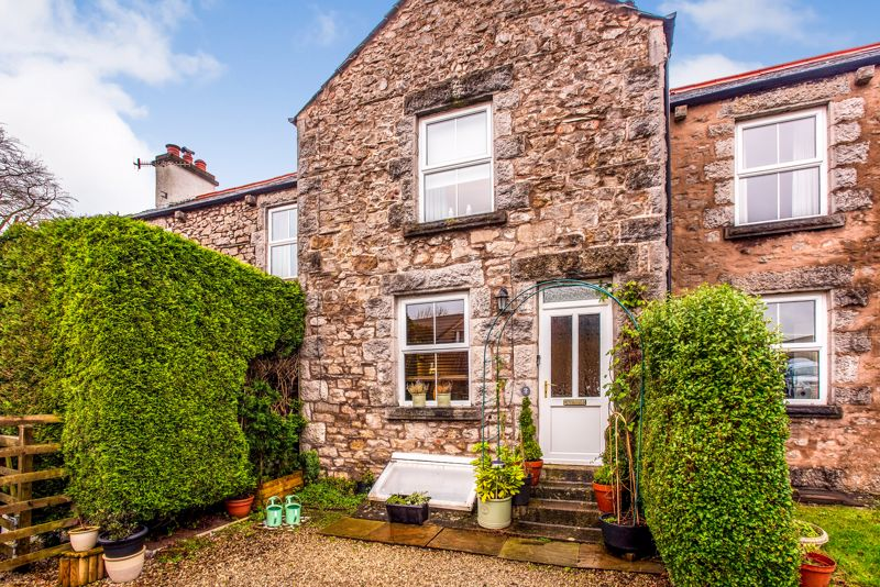 Beautifully Restored 2 Bed Cottage