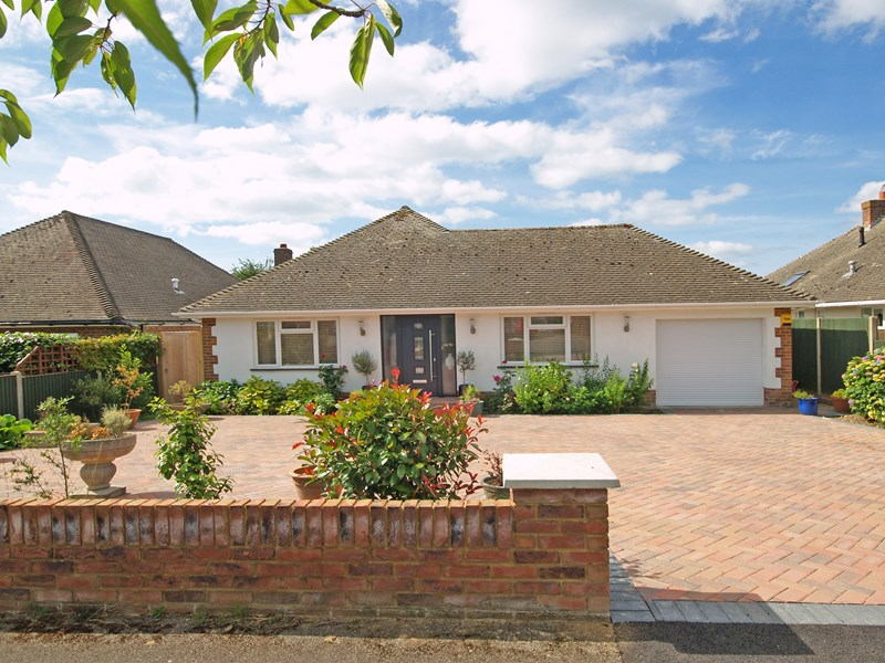 Solent Drive, Barton On Sea, New Milton, Hampshire, BH25