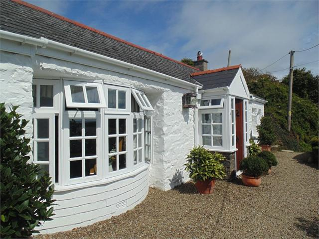 Dolphin Cottage, 4 High Street, Solva, Haverfordwest, Pembrokeshire
