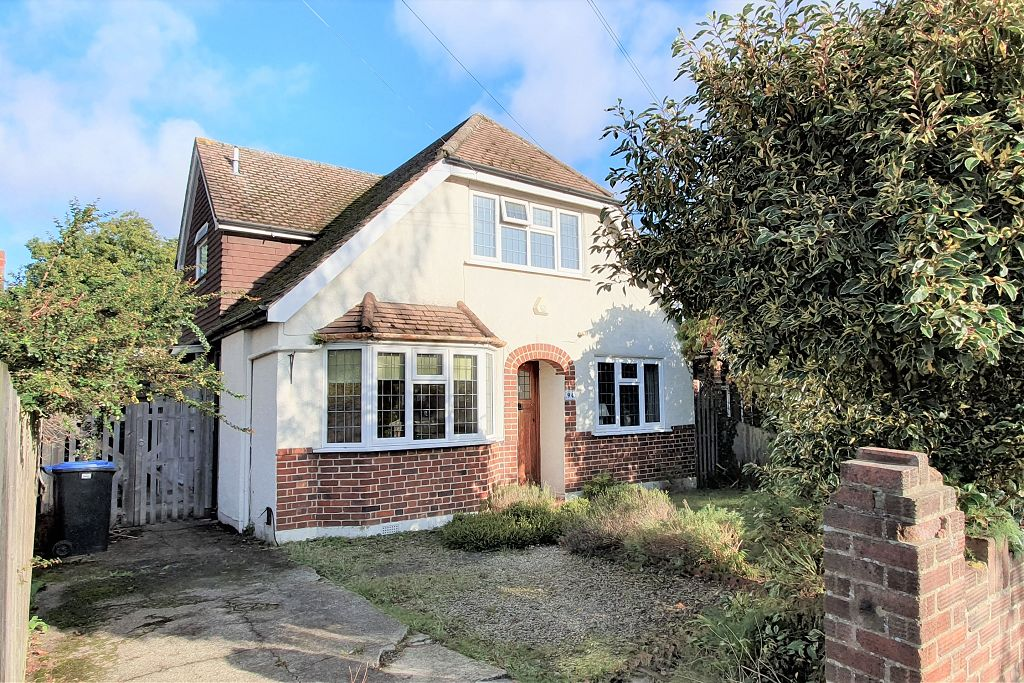 Woodlands Avenue, West Byfleet, Surrey, KT14 6AP