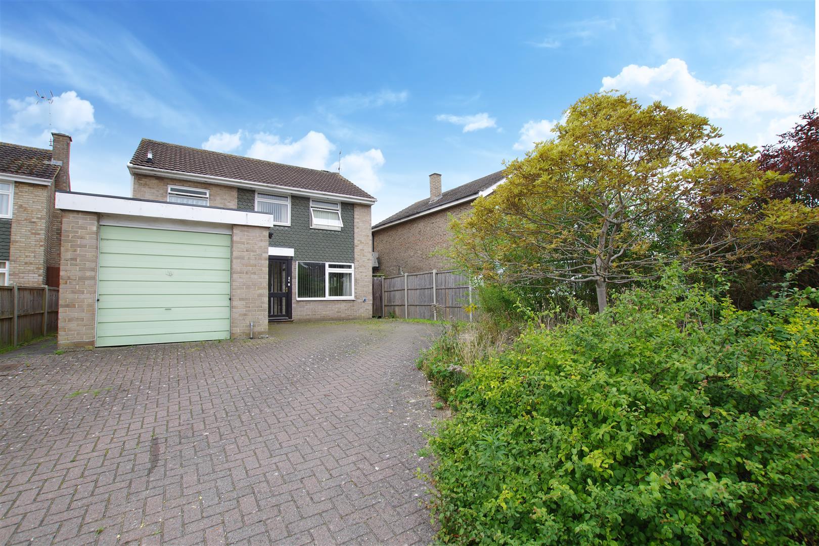 Tenby Close, Lawns, Swindon