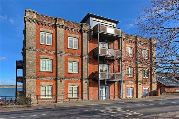 High Street, Mistley, Manningtree, Essex