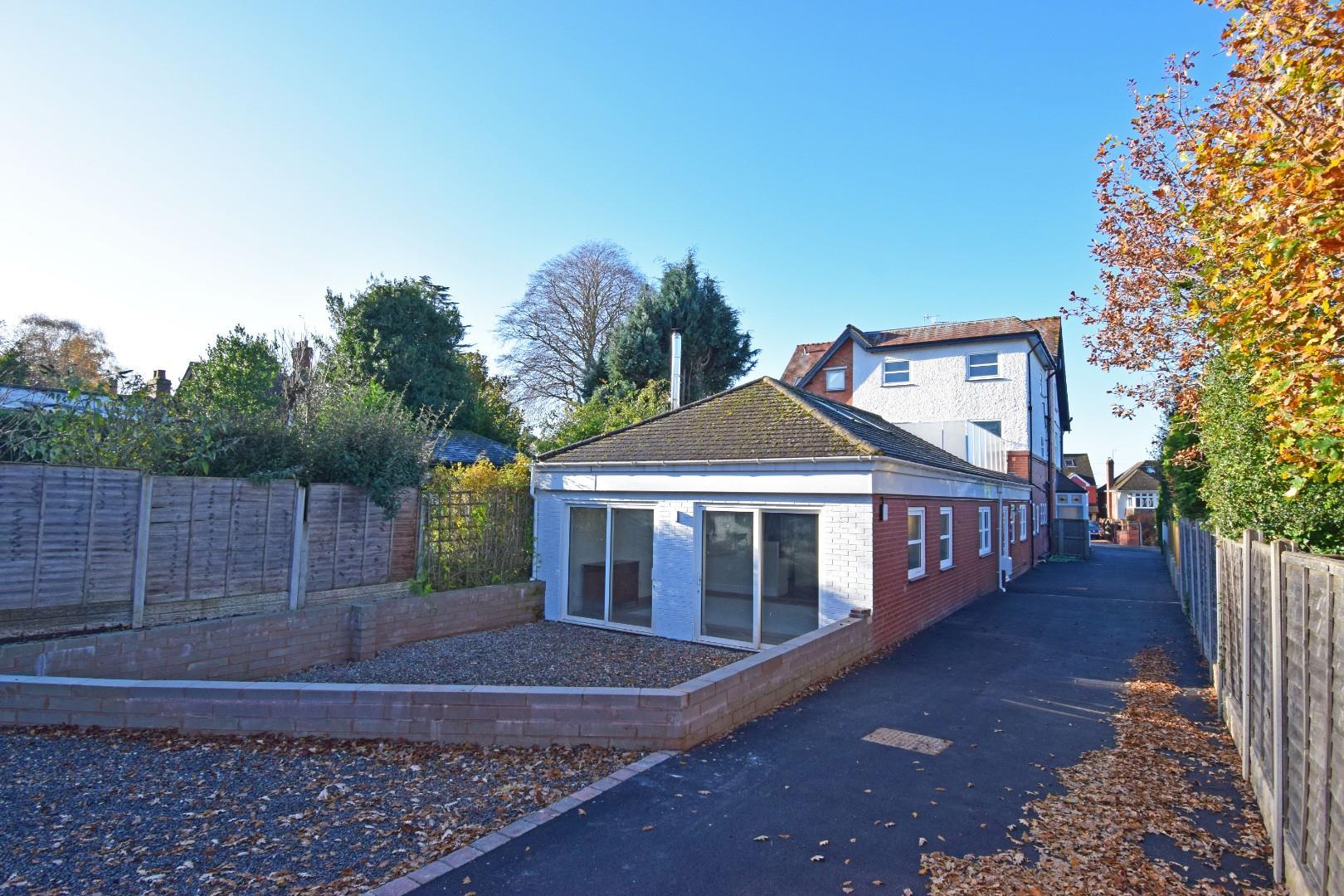 4 Chester House, Wellington Road, Aston Fields, Bromsgrove, Worcesterhire, B60 2AX