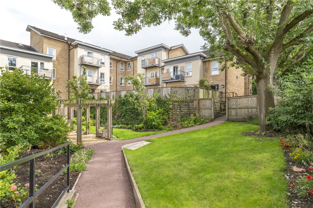Emmandjay Court, Valley Drive, Ilkley, West Yorkshire
