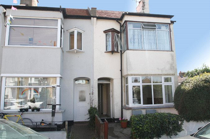Canonsleigh Crescent, Leigh-On-Sea, Essex, SS9