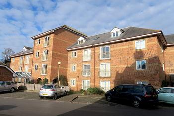 Flat 48 Beech Court, Taunton, Somerset. Ta1 4bh, Town Centre, Taunton