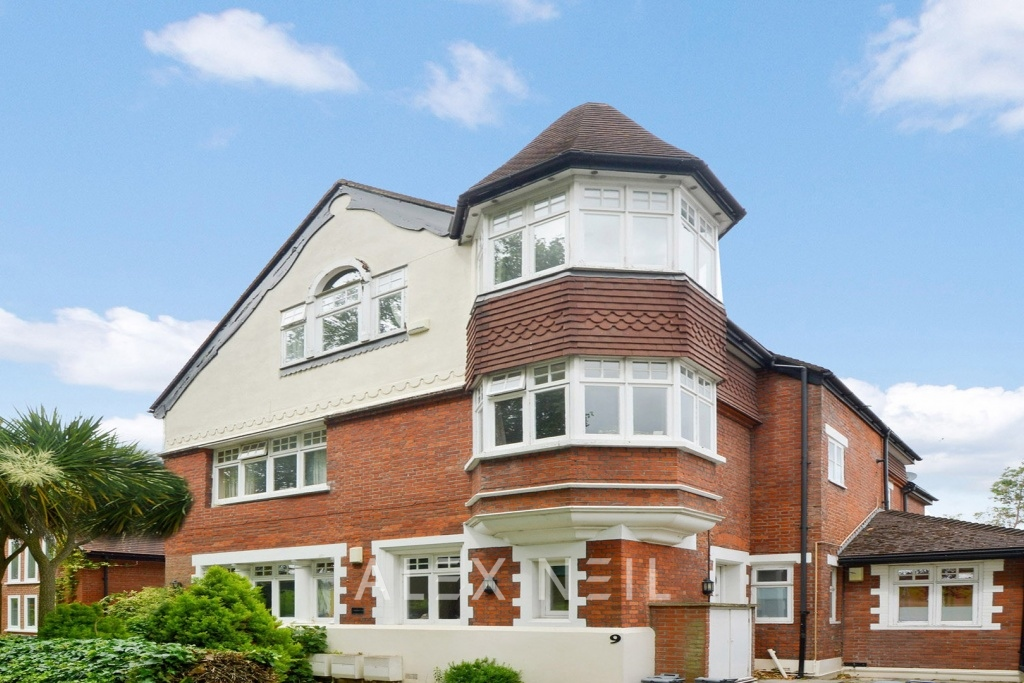 Hilly Fields Crescent, Brockley SE4