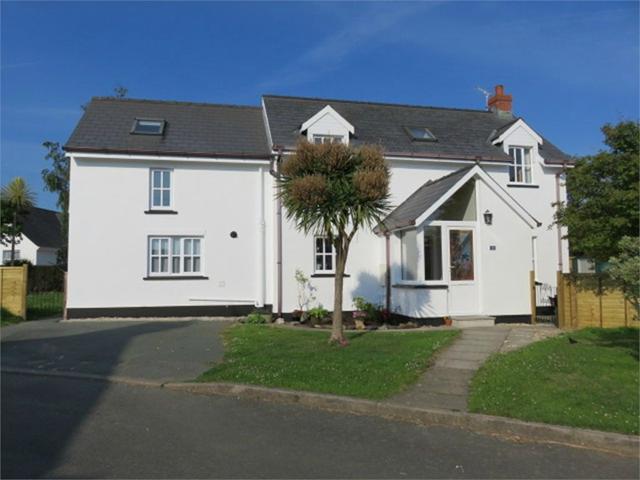 Deudraeth, 23 Parc Yr Eglwys, Dinas Cross, Newport, Pembrokeshire