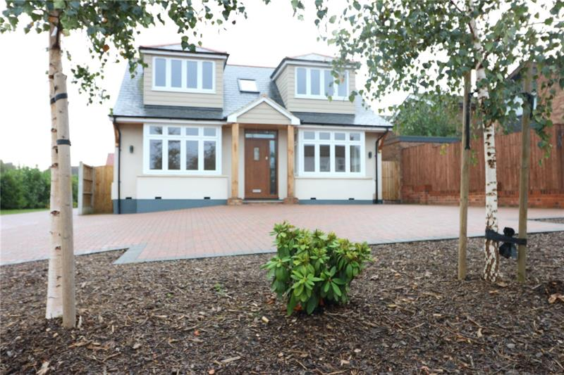 Rayleigh Road, Thundersley, Benfleet, Essex, SS7