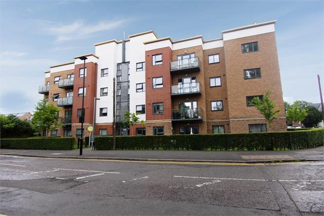 Elmwood Avenue, Feltham, Greater London