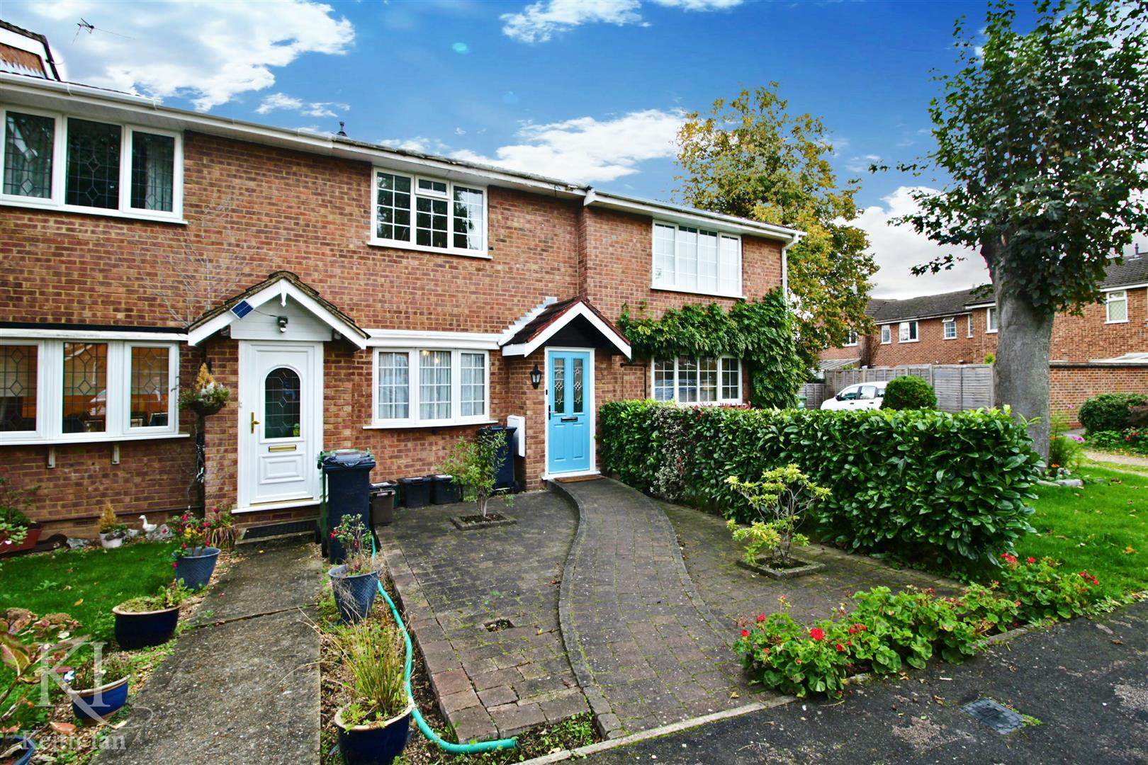 Robertson Close, Turnford - Neatly presented 2 Bedroom property