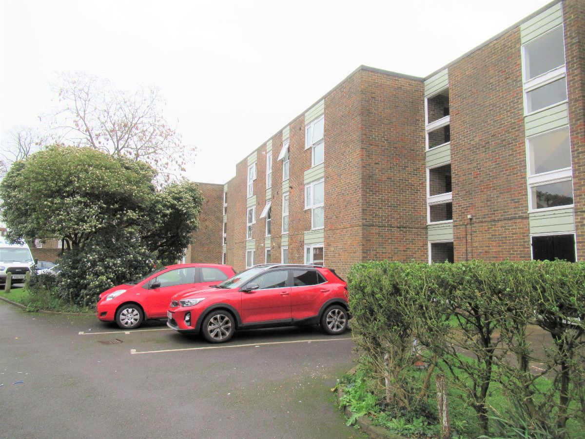 Flat , Valley Mews, Cross Deep, Twickenham