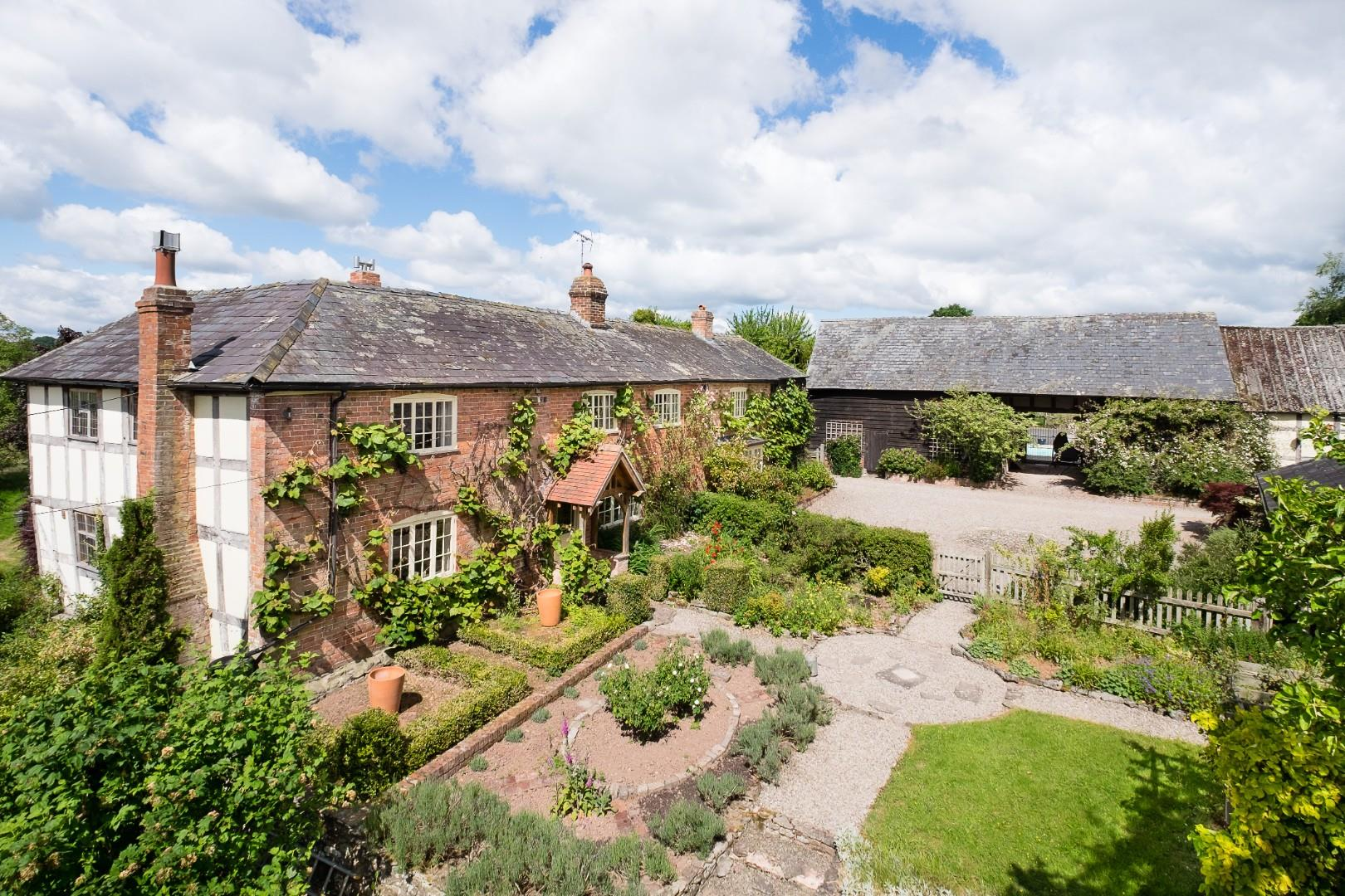 Pembridge, Herefordshire - with 14 acres + cottage