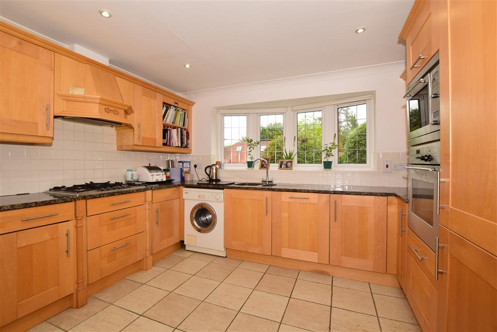 Redleaf Close, , Fetcham, Leatherhead, Surrey