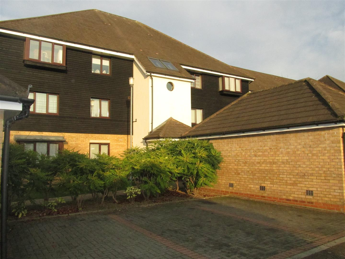 Cracknell Close, Enfield