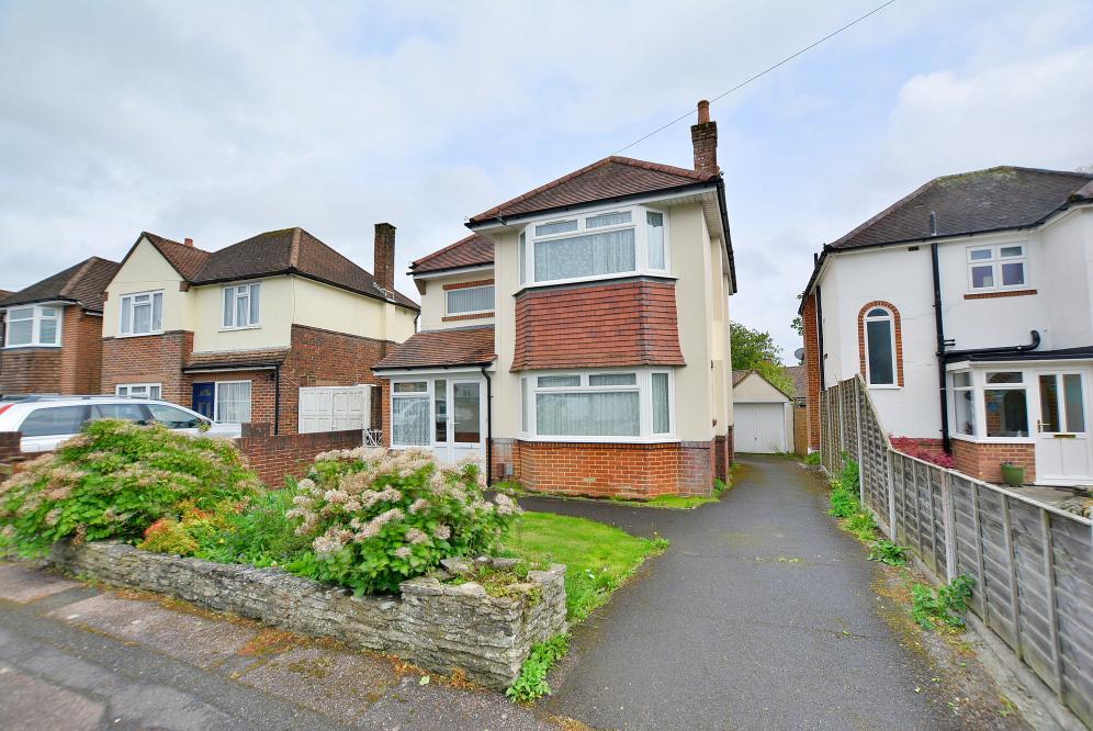 Cedar Avenue, Northbourne, Bournemouth, Dorset BH10 7EF