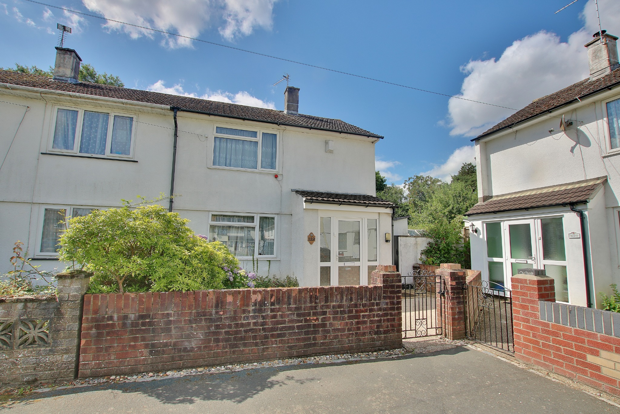 SEMI DETACHED HOUSE IN NEED OF SOME IMPROVEMENT WITH AN EXCEPTIONALLY LARGE REAR GARDEN