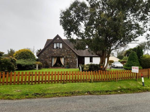 Castell Y Dwr, Jeffreyston, Kilgetty, Pembrokeshire