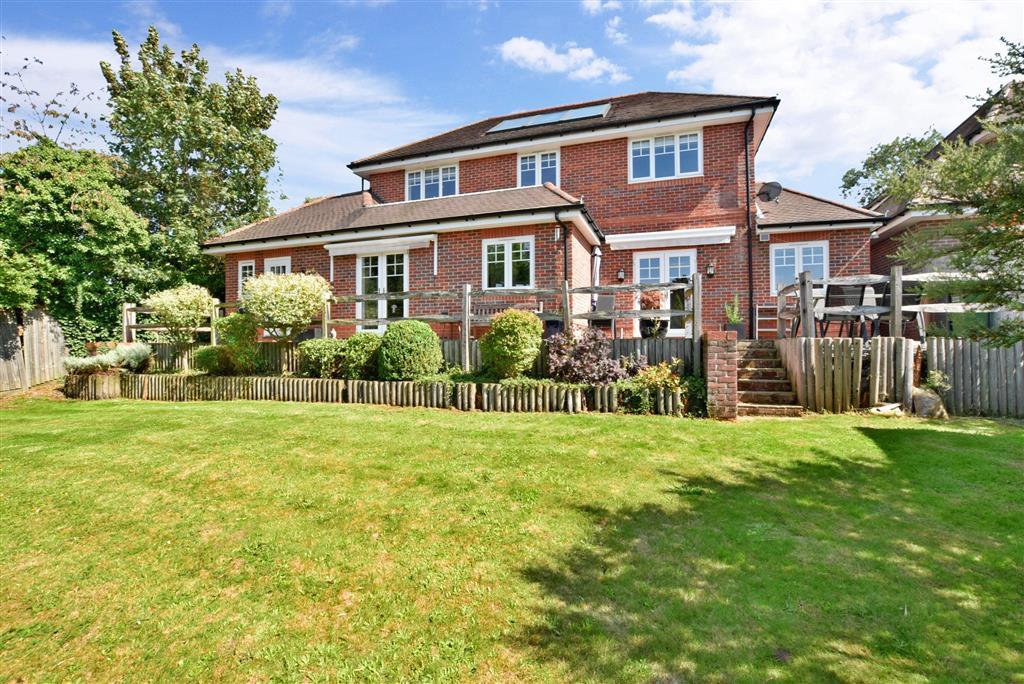 Warren Farm Close, , Epsom, Surrey