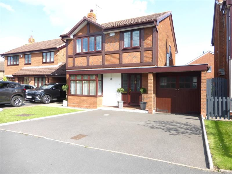 Robinia Close, Evesham, Worcestershire, WR11