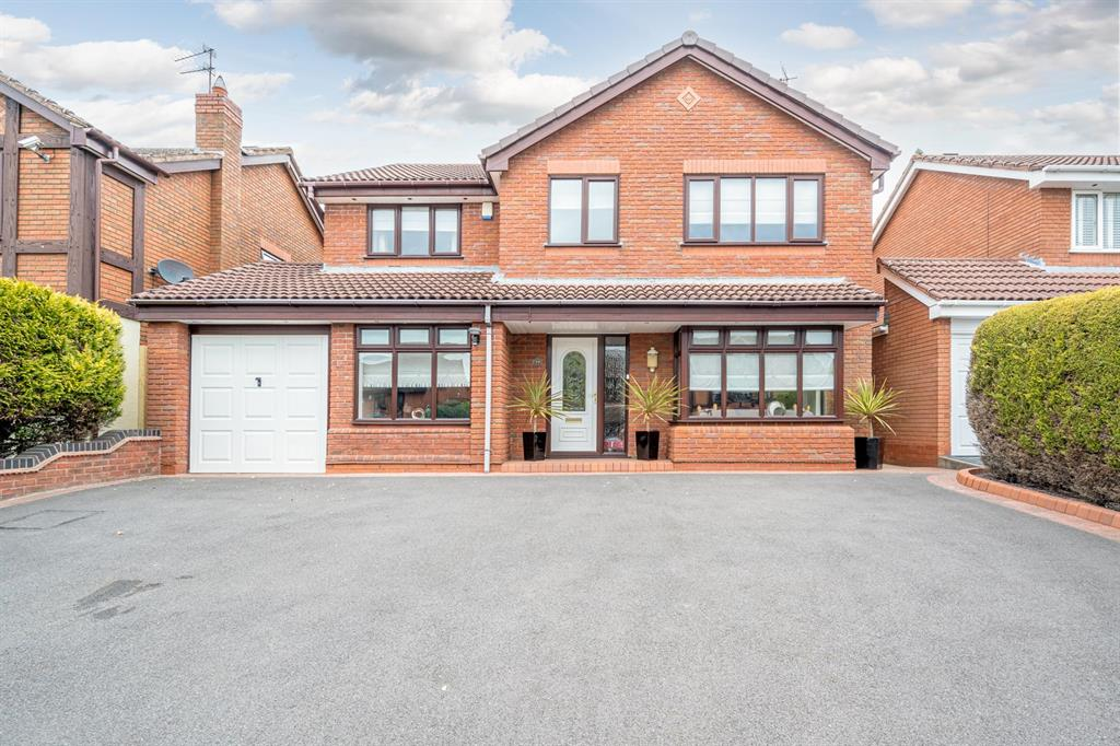 Clover Lane, Kingswinford, DY6 0DT