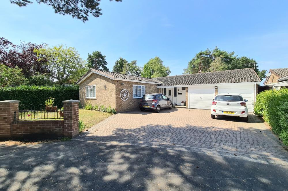 Craigside Road, St Leonards, Ringwood, BH24 2QX