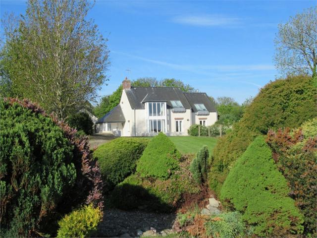 Golwg-yr-Ynys, Brynhenllan, Dinas Cross, Newport, Pembrokeshire