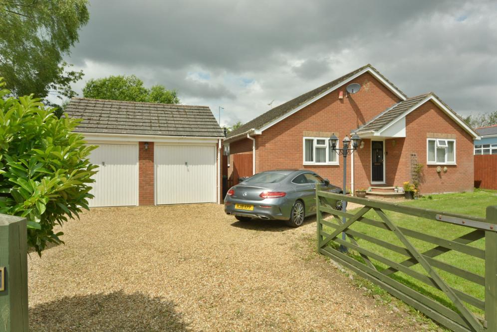 Fox Lane, Wimborne, Dorset, BH21 2EF
