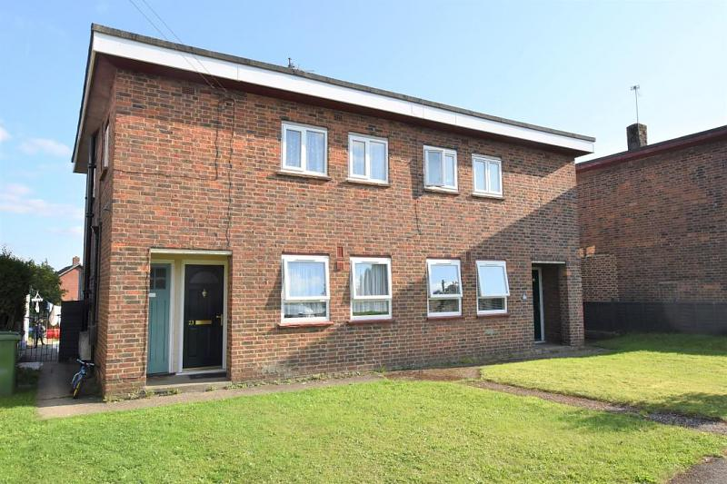 The Close, Burghfield Common, Reading, RG7