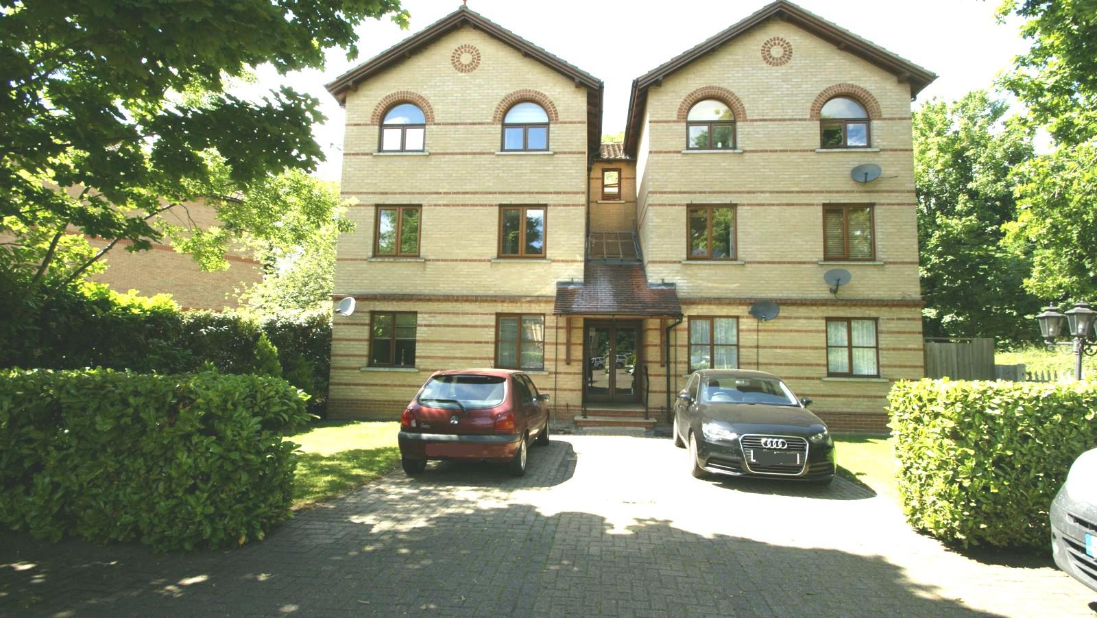 Rushdon Court, Rushdon Close, Romford, RM1