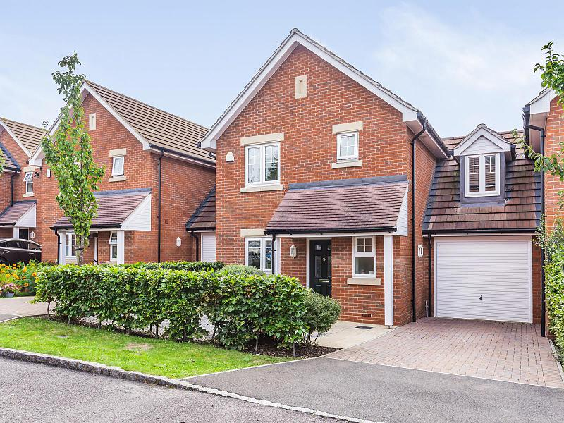 Bridges Grove, Earley,  Reading, RG6 1FG