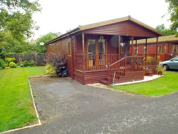 Fuchsia Lodge (l2), Walrow, Highbridge