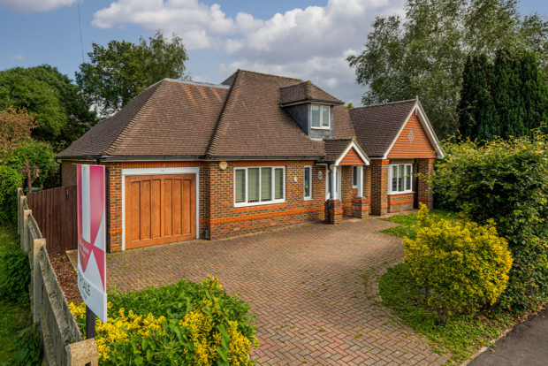 Middlemead Road,  Bookham, KT23