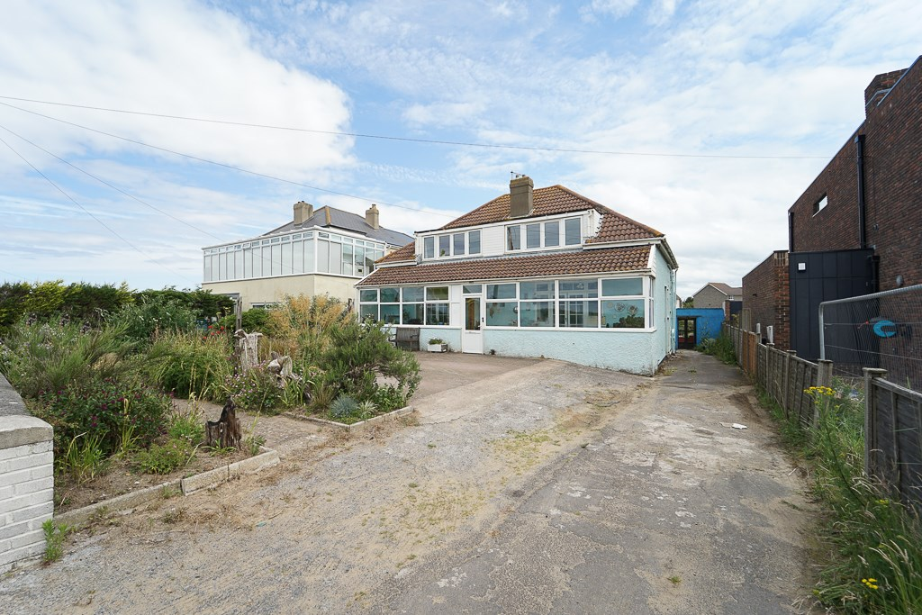 Beach Road, Kewstoke, Sand Bay, Weston-Super-Mare, BS22