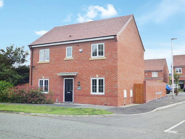 Kingswood Road, Westbrook, Warrington WA5  7XQ