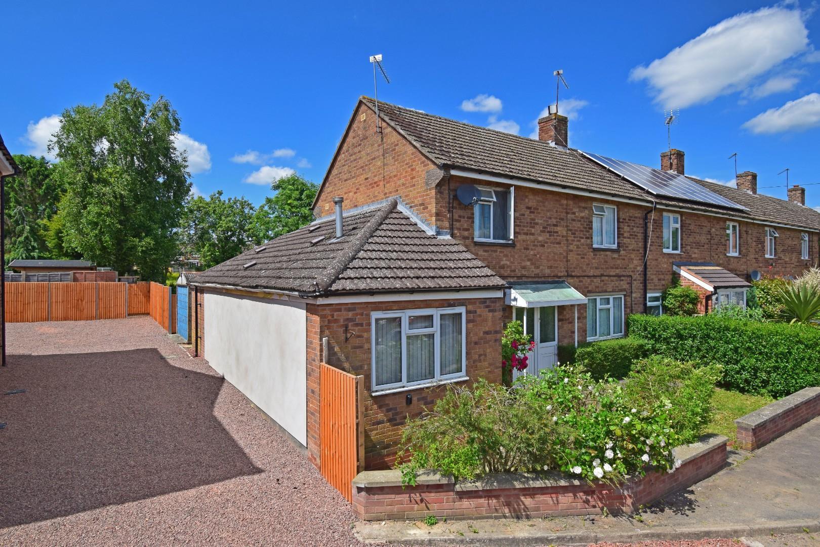 9 The Grove, Studley, Warwickshire, B80 7QL