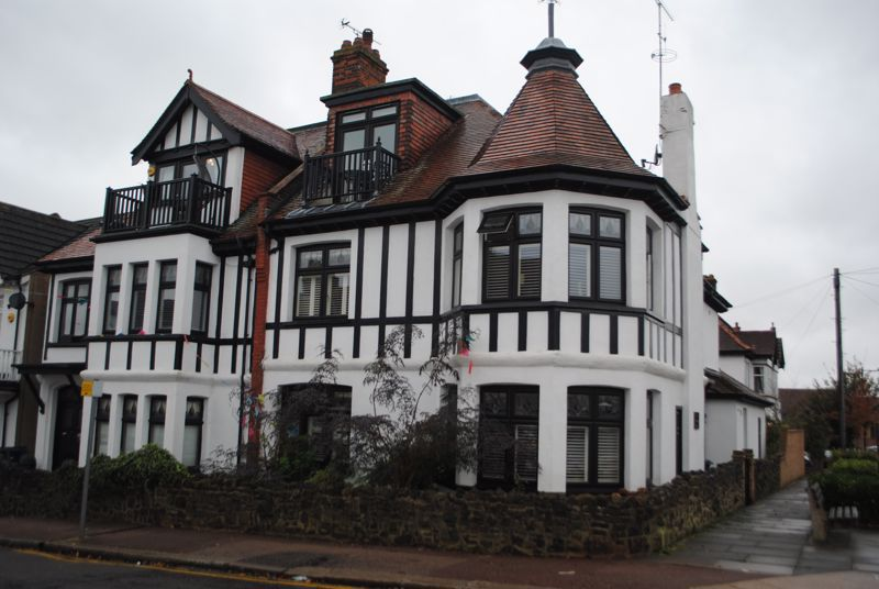 Woodfield Road, Leigh On Sea