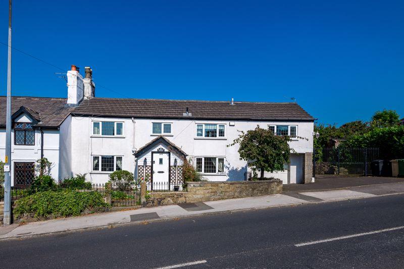 Characterful 4-bed Cottage, Stitch Mi Lane, Harwood, Bl2
