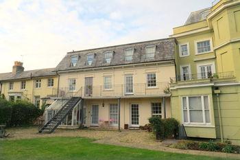 Flat 9 Vivary Gate, Upper High Street, Taunton, Somerset. Ta1 3px, Upper High Street, Taunton