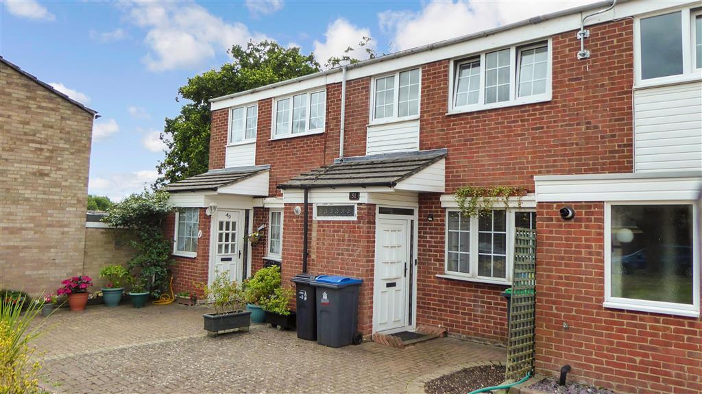 Angus Close, , Chessington, Surrey