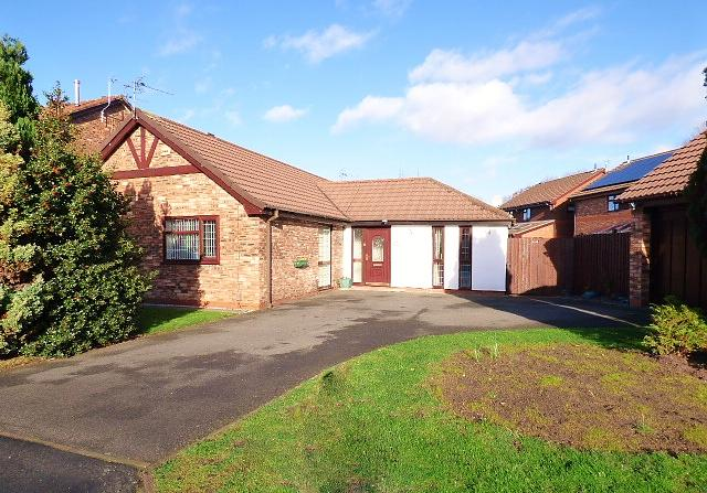 3 Candleston Close, Callands, Warrington, WA5  9UB
