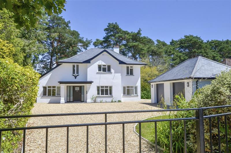 Golf Links Road, Ferndown, Dorset, BH22