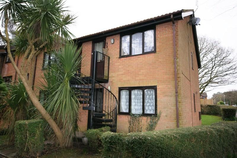Hillview Court, Froud Way, Corfe Mullen, Wimborne, BH21