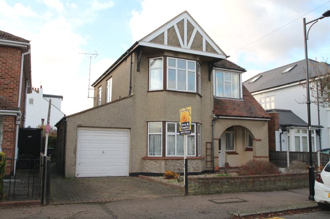 Stirling Avenue, Leigh-on-Sea, Essex, SS9