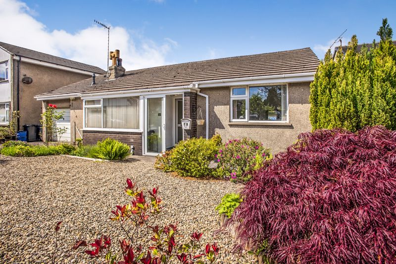 Modernised, Spacious 2 Bedroom Bungalow