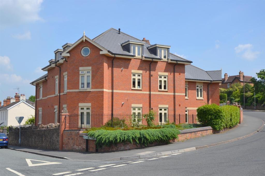 Albert Park Road, Malvern