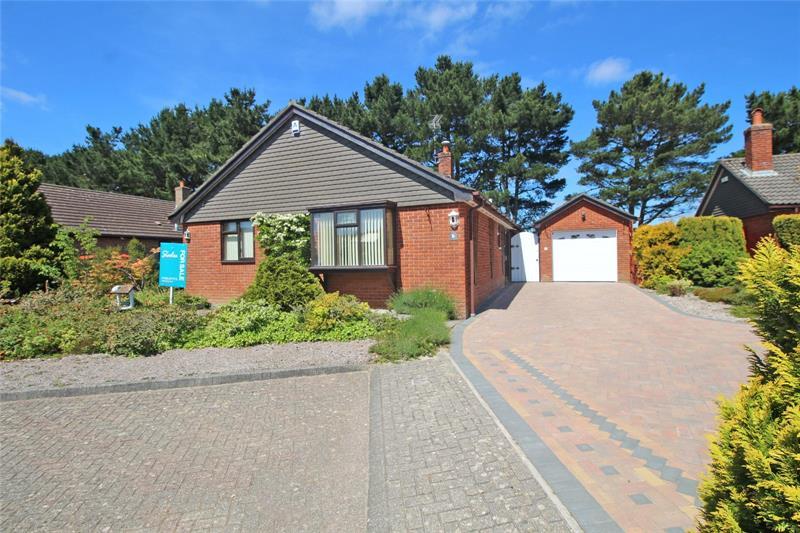 Columbine Close, Hoburne, Highcliffe, Dorset, BH23