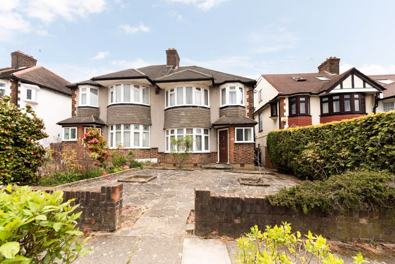 Brycedale Crescent, London