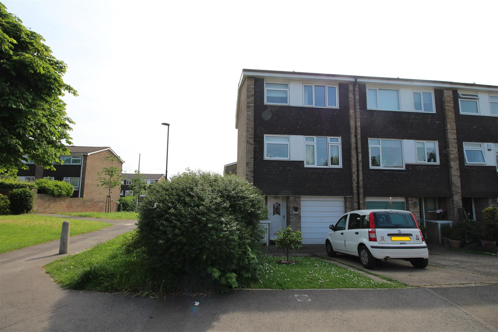 Leafield Close, London SW16