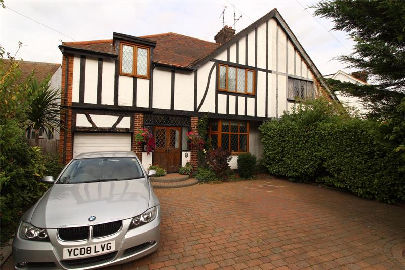 Bridgwater Drive, Westcliff-on-Sea, Essex, SS0